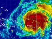 Erős hurrikán csaphat le az USA-ra