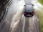 Áradások Angliában, halálos vihar Belgiumban